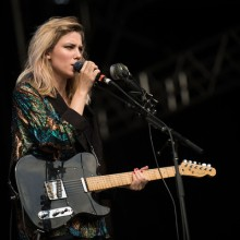 ellie-rowsell